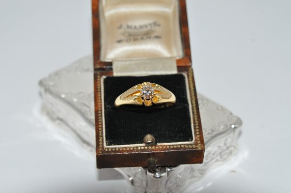 18ct Yeloow Gold Gents Old Cut Diamond Solitaire