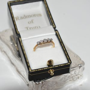 18ct Yellow Gold Five Stone Old Cut Diamond Ring