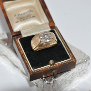 18ct Yellow Gold Ring Set With A Old Cut Diamond And Platinum Top