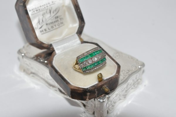 18ct Yellow Gold Emerald And Diamond Ring Set With Platinum