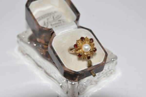 9ct Yellow Gold Pearl And Garnet Flower Cluster Ring