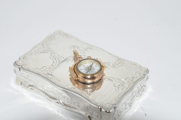 9ct Rose Gold Compass Set With Agate